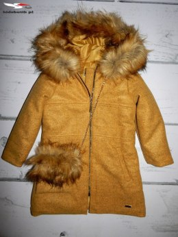 An elegant winter coat with fur