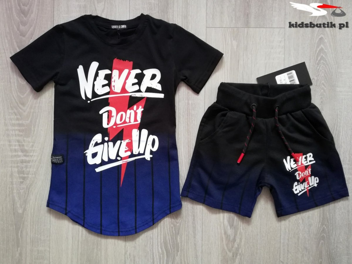 A complete set of sports NEVER DON'T GIVE UP-black with blue