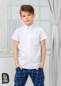 Smooth, white shirt with short sleeves