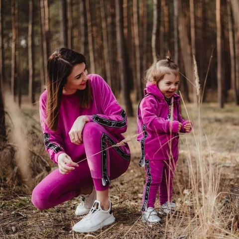 Velour lily tracksuit with straps and with pin - fuchsia